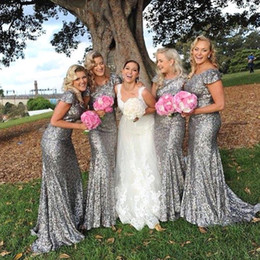 Robes De Demoiselle D'honneur Gris Sequin Pas Cher-2016 Elégant Mermaid Gris Argent Paillettes robes de demoiselle d'honneur avec plafonné manches Backless Long Beach Maid of Honor Robes Prom Party