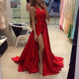 Barato Longo Vestido De Decote Pescoço Alto-Red Custom Made Prom Dresses Long A Line V Neck 2016 Sexy High Split Evening Vestidos Halter Neck Formal Wear Cheap High Quality