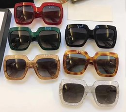 1d60056a7 Mulheres Praça 0053S 0053 S Óculos De Sol Vermelho Glittered Frame Óculos  De Sol De Grandes Dimensões Designer de Óculos De Sol Nova Marca com caixa