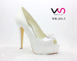 37694431d Nuevo Rose Bow Brilliant Color blanco Super High Heel Peep Zapato abierto  con plataforma gruesa Dyeable Satin Dyeable Mujeres Zapatos de novia nupcial