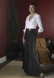 Elegant Mermaid Mother Bride Dresses Canada - Black And White Elegant Mother Of The Bride Dresses Long Sleeves Floor Length Taffeta Mermaid A Line Formal Dress Evening Gowns Spring