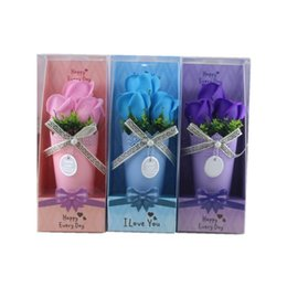 Bouquet Boxes Wholesale Canada - Three Color Soap Flower Simulation Mini Rose Flowers Potted Plant Easy To Carry Romantic Bouquet Flowerpot With Retail Box 7 76mj B R