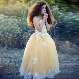 $enCountryForm.capitalKeyWord Canada - Hot Sale Light Yellow Flower Girls Dress For Wedding High neck Lace Appliques Kids Pageant Party Gown Girl's Pageant Dresses Free Shipping