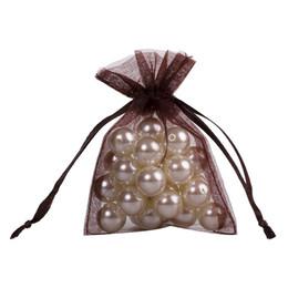 efde315e2 100 piezas de la bolsa de regalo de la joyería de organza marrón 7x9cm (2.7X  3.5 pulgadas) bolsa de lazo de organza bolsas de dulces de regalo