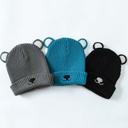$enCountryForm.capitalKeyWord UK - Wholesale 3 Color Cute Bear Baby Hat Cotton Embroidery Crochet Baby Beanies Kids Fall Winter Baby Cap Handmade Knit Windproof Earmuffs Cap