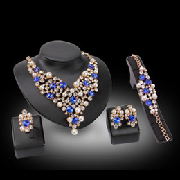 $enCountryForm.capitalKeyWord Australia - Necklaces Earrings Bracelets Rings Jewelry Sets Fashion Imitation Pearl & Rhinestone 18K Gold Plated Flowers Party Jewelry 4-Piece Set JS154