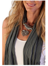 $enCountryForm.capitalKeyWord Canada - Newest Cheap Fashion Lady Scarf Direct Factory Rhinestones Heart Pendant Scarf Necklace Winter Scarf Women Neckerchief