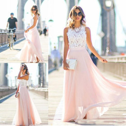 Barato Trajes Boêmios-2017 A Line Beach Bridal Party Dresses Lace Top Blush Chiffon Skirt Formal Evening Wear Vestido Bohemian Simple Long Long Vestidos de baile