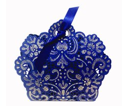 chinese box paper NZ - 2017 Romantic Wedding Gift Box Elegant Luxury Decoration Laser Cut Party Sweet Favors Guest Gift Wedding Paper Candy Boxs blue golden THZ21