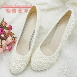 Girls Wedding Flat Shoes Canada - White Beaded Pearl Wedding Shoes For Wedding Slip-ons Overlay Beads Bridesmaid Girl Shoes For Wedding Party Flat  5.5  8.5  10.5