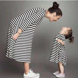 Clothing single pieCes online shopping - Striped parent child clothes parentage dresses cotton O neck one piece dress for mother and daughter family matching outfits
