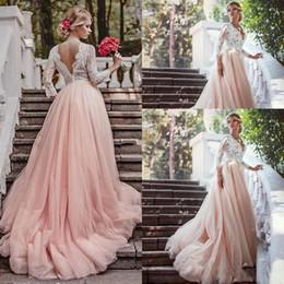 Blush Pink Lace País Sexy 2017 Una línea de vestidos de novia V-cuello de manga larga Backless completo Appliques imperio Tulle vestidos de boda de tren de tren