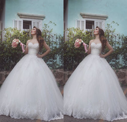 line beaded bodice wedding dresses 2019 - 2016 Cheap Vintage A Line Wedding Dresses Sweetheart Lace Appliques Beaded Sweep Train Sleeveless Floor Length Formal Pl