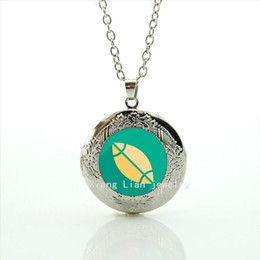 Chinese  Fashionable wedding bijoux locket necklace sport rugby football green and yellow ball jewelry gift for men and women NF034 manufacturers