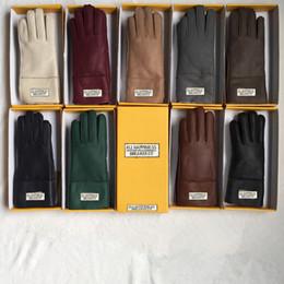 Новые женщины овчины кожа яркие перчатки женские зимние теплые модные ветрозащитные антифриз перчатки