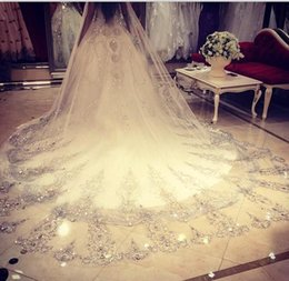 Barato Longo Casamento Véus Bling-2016 Bling Bling Cristal Catedral Velos de Noiva Luxo Duas Camadas Longa Applique Beaded Custom-Made High Quality Wedding Veils