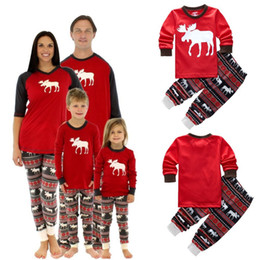 2016 new kids christmas 2pcs suits boys girls christmas reindeer pajamas set pyjamas kids spring sleep clothing set christmas family pajamas