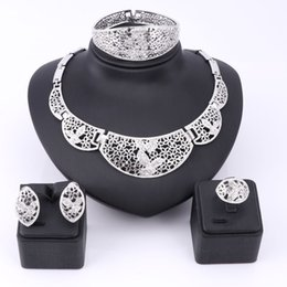 $enCountryForm.capitalKeyWord Canada - Vintage African Beads Jewelry Sets Collar Pendant Necklace Earrings Painting Imitated Crystal Wedding Bridal Pendant Accessories