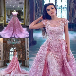 Barato Laço Decote Jóia Vestidos De Baile-Luxo 2017 rosa Mermaid Prom Dresses Com Detachable Train Lace Appliqued Vestidos de noite formal de manga curta Jewel Neckline Party Dress