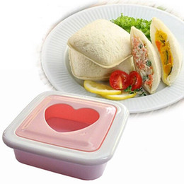 mold heart shaped cutter UK - 1PC Fashion PP Pink Cute Heart Shape Sandwich Maker Mold Bread Cutter Kitchen Tools DIY Love Sandwich Mold order<$18no track