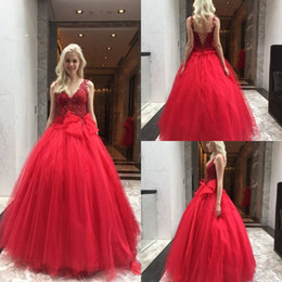 Holiday Evening Gowns Floor Length Australia - Hot Red Evening Dresses Big Bow Ball Gown Prom Gowns Custom Made Lace V-Neck Holiday Party Wear