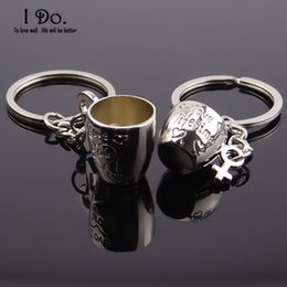 wedding cup silver NZ - Wholesale- Free Shipping 1 Pair Cups Keychain Wedding Favors And Gifts Wedding Souvenirs Wedding Supplies Obsequios Boda