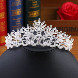 Crown Beautiful Bride Canada - 2019 Baroque bride Crown Crystal handmade glass, bridal ornaments, headdress, the color is white, with a national style, very beautiful