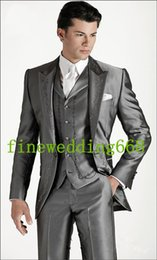 Smokings De Mariage En Broderie Pas Cher-Gros-One Button Mariage Gris Broderie Groom Smokings Groomsmen Mens Suits Prom Epoux (veste + pantalon + veste + Cravate) NO: 913