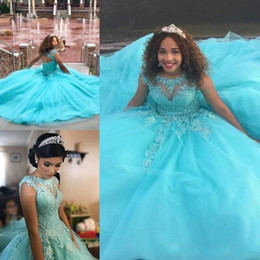 Barato Feito À Medida 15 Vestidos-Sweet 16 Princesa Quinceanera Vestidos 2018 Sheer Neck Appliques Beads Puffy Open Back Ball Gown 15 Anos Girls Prom Party Gowns Custom Made