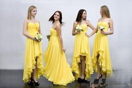 Barato Vestido Floral Amarelo Em Chiffon-Sexy 2017 Spaghetti Strips High Low Yellow Chiffon Bridesmaids Dresses Plissados ​​Appliques florais Pleated Tiered Top Sale Honra de Maid Wear