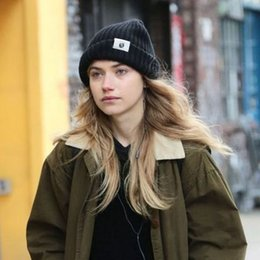Discount hat wool flanging 2017 High-quality new hand-woven multi-color wool wool flanging pointed hat, curling cap, adult warm hat wholesale free