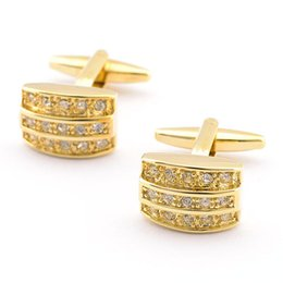 China 2016 fashion jewelry gold plated shape cufflinks with party shinning New high quality Vintage cuff links for men 980002 suppliers