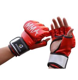 e3ba47227 2017 Novos Homens Mulheres Luvas De Boxe De Couro PU Meia Luva De Boxe  Combate Fright Boxer Equipamento Preto Vermelho Frete Grátis