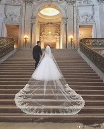 $enCountryForm.capitalKeyWord NZ - Hot Best Sale Romantic mantilla veils White Ivory applique Lace Edge Cathedral Bridal Veil With Comb