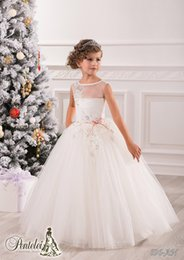Anniversaire Belle Balle Pas Cher-Beautiful Vintage Ball Gown Flower Girl Robes pour les mariages Jewel Applique Sash Net Baby Girl Birthday Party Christmas Princess Dresses
