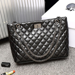 $enCountryForm.capitalKeyWord Canada - Hot sales New Style High quality 29cm womens brand imports of PU Fashion leisure handbags Shoulder Bags totes Chains Bags