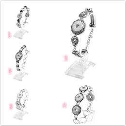 Flower Gift For Love Australia - brand new metal bracelets 12-18mm snap buttons jewelry bracelet with flower love heart shape charm for men or women