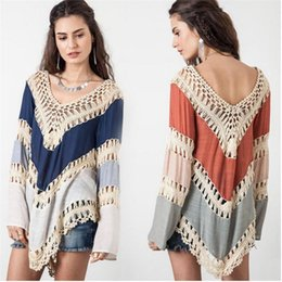 Suéter Crochet Mujer Baratos-Venta al por mayor- Crochet Sexy Pullover Womens poncho Hollow Out Puller mujeres Pull Femme V-cuello Womens Jumpers Bohemia otoño Capes y ponchos