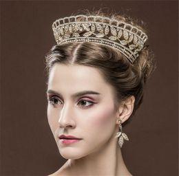 $enCountryForm.capitalKeyWord Canada - Elegant Wedding Bridal Jewelry Set Gold Crown Tiara Earrings Set Crystal Rhinestone Princess Headpieces Women Fashion Prom Headband Jewelry