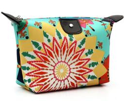 $enCountryForm.capitalKeyWord Canada - New Cosmetic Bag Women's Lady Travel Makeup Bags Pouch Clutch candy wallet nylon zipper purses Free DHL