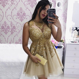 Barato Colher Doce Vestido 16-Sweet Gold Mini A Line Homecoming Vestidos Scoop Neck Tank With Lace Appliques Crystal Dress For Special Occasion Party Gowns