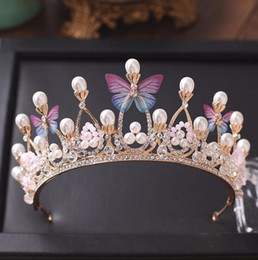 Barato Borboleta Tiaras Headpieces Nupcial-Princess Gold Color Wedding Crowns e Tiaras 2018 Pearls Crystal Beads Butterflies Women Hair Headpieces Bridal Jewelry Party