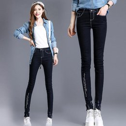 Barato Alto Cintura Jeans Mulheres-High Waisted Jeans para mulheres American Style Skinny Mulheres Plus Size Jeans Moda Bordado Letter Mulheres Denim Pants Frete Grátis