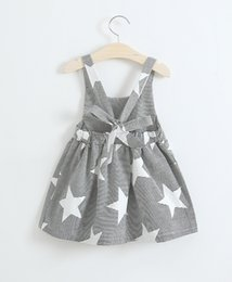 Barato Meninas Boutique Vestido Da Listra-Girls star Stripe Suspender Vestidos Exposed Back Summer 2017 Hot Sale Vestuário Boutique Kids Little Girls Fashion Back Bow Suspender Vestidos