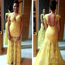 Barato Longo Vestido Amarelo Claro-Sexy Deep V-Neck Light Amarelo Lace Prom Dresses Long 2017 Appliques Mermaid Backless Pavimento Comprimento Formal Evening Party Gowns