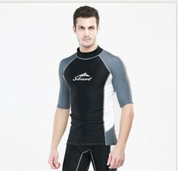 Barato Shirt Dropshipping-Dropshipping Roupa de banho para homens Camisas de surf e Shorts Ternos de mergulho Windsurf de duas partes Separa Wetsuits Beach Sports Short Rashguards