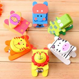 Wooden Stationery NZ - 5pcs lot Wooden Cartoon Cute Mini Stapler Primary School Stationery School Office Student Prize Birthday Gifts Papelaria