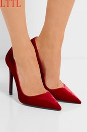 Spring Women Velvet Canada - Chaussure Femme 2017 New Arrival Spring Party Wedding Pumps Fashion Thin High Heels Slip On Pointed Toe Velvet Shoes Women