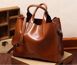 designer travel handbags Canada - Ladies Oil wax Leather hand bag for Women Famou Brand Trunk Handbags Luxury Designer Femme Casual Tote large Travel Shoulder Bag
