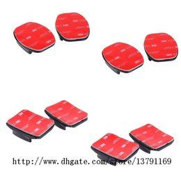 Suportes adesivos com almofadas pegajosas (2 curvas + 2 planas) para capacete de câmera de placa de bicicleta, preto